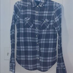 American Eagle button up size 6 shirt